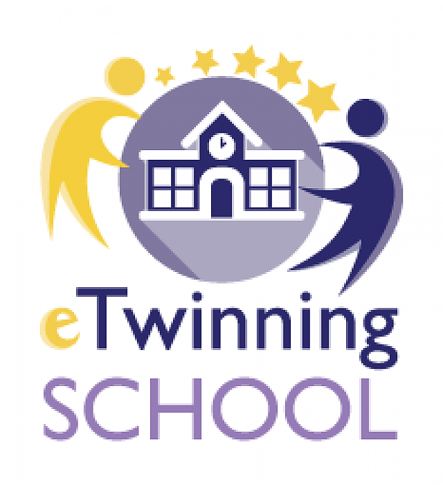 PNG Awarded-etwinning-school-label
